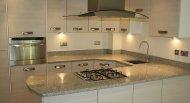 kuchenka zabudowana blatem kuchennym
